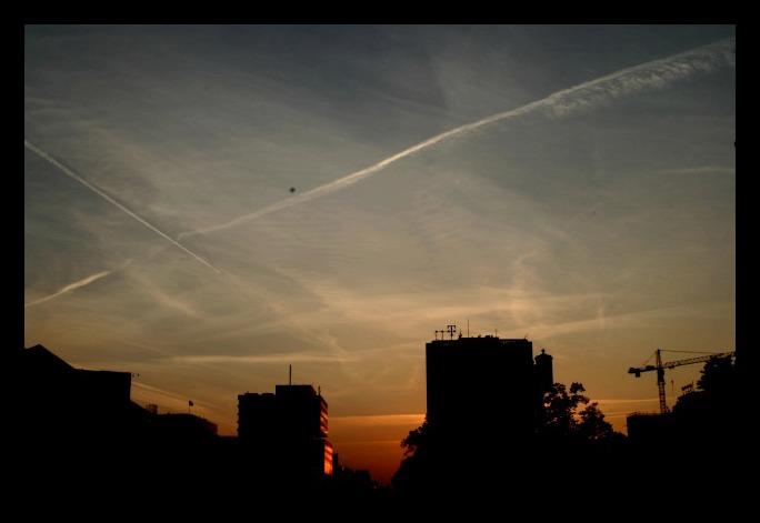 Dienstschluss - Sonnenuntergang über der Strasse des 17. Juni
